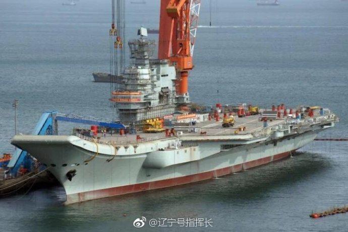 大陸首艘002型國產航空母艦。遼寧號指揮長