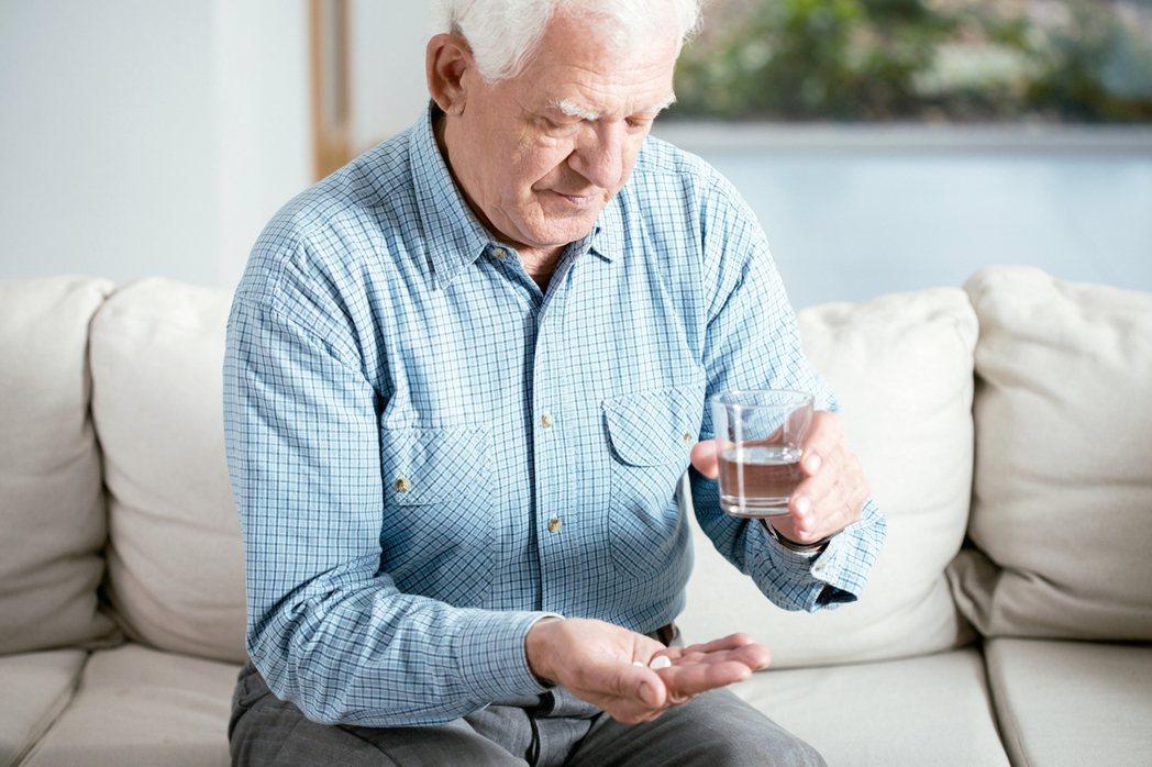 心房顫動容易導致血液滯留於心臟內而產生血栓,進而造成缺血性腦中風甚至全身性栓塞,...