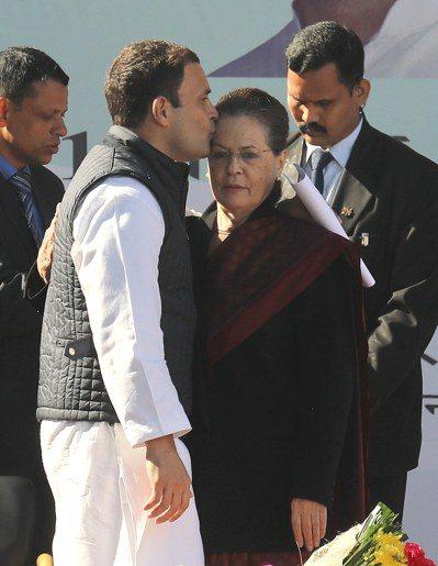 拉胡爾甘地接掌印度國大黨,將與莫迪對決。 歐新社
