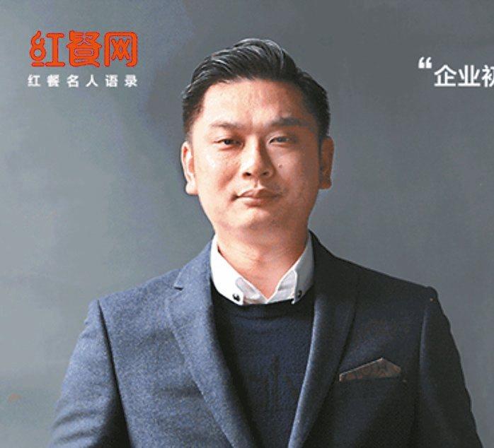 中國大陸餐飲品牌「俏鳳凰」創辦人吳天真。 圖/取自紅餐網、俏鳳凰官網