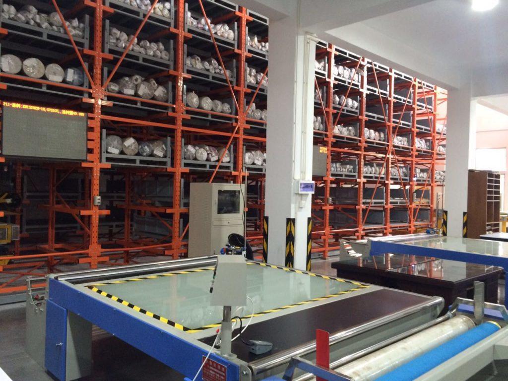 圖/傢飾布業自動化管理,簡董是台灣業界的第一人(本圖由簡董提供)
