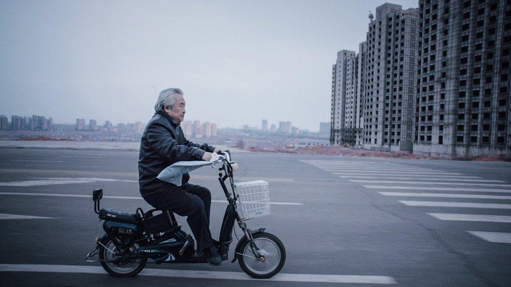 「老獸」是本屆金馬獎黑馬,獲得最佳男主角、原著劇本、國際影評人費比西獎三項肯定。...