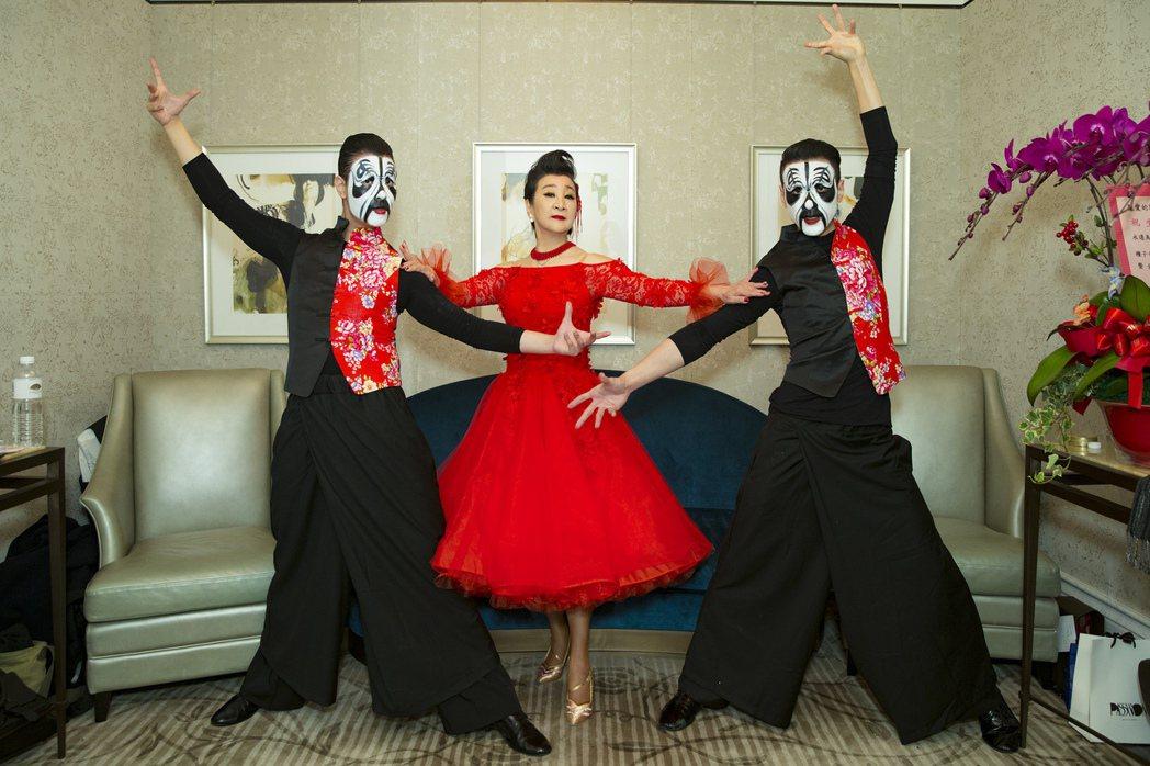 陶王復蓉結合京劇、國標舞中西合璧,舞出創新國標舞。圖/偉大文化提供