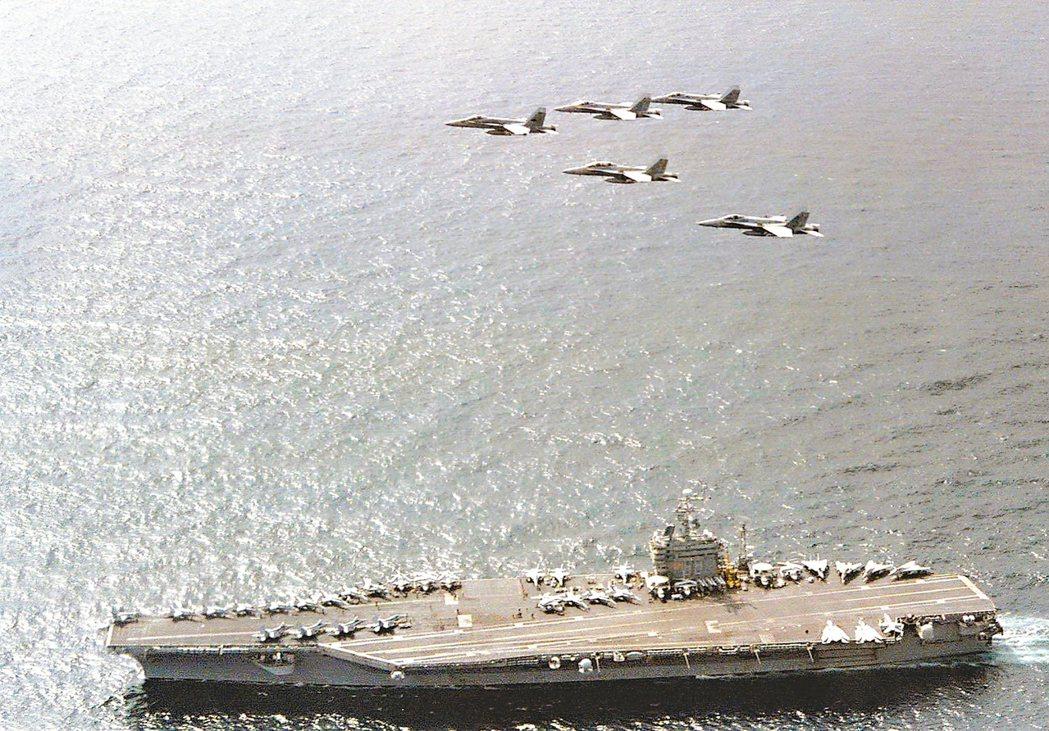 海軍飛行員目擊UFO:加速之快從未見過
