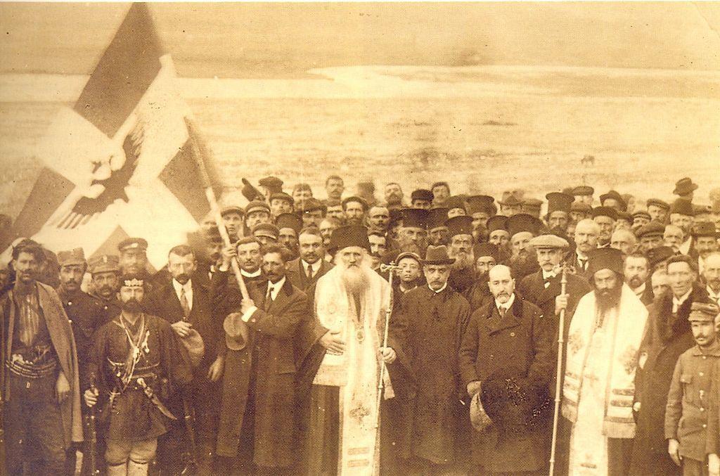 第一次世界大戰開打後,阿爾巴尼亞南部分別被義大利和法國佔領,「北伊庇魯斯自治共和...