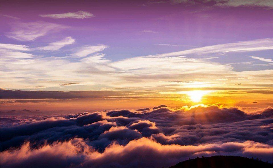 夢幻的阿里山日出美景。(圖片來源/阿里山日出印象音樂會FB粉絲團)