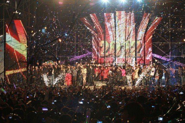 自2012年起,台南跨年晚會就不再放煙火,改採環保聲光秀表演。(圖片來源/台南市...