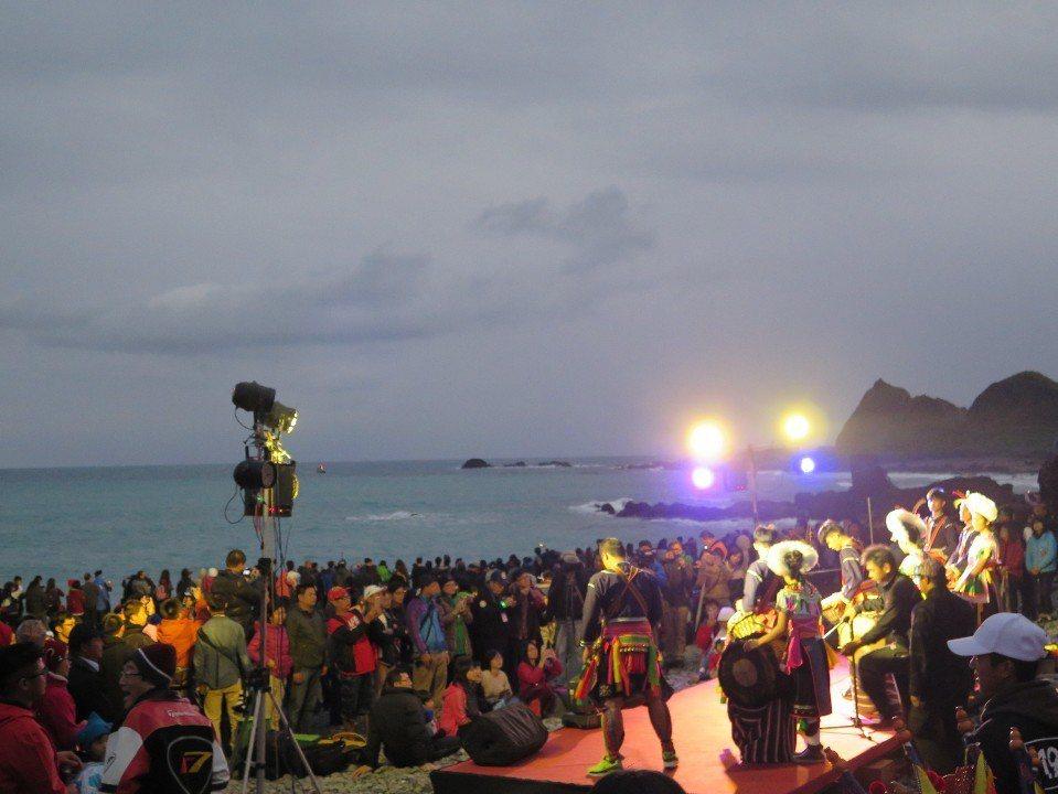 「三仙台元旦迎曙光」活動,每年都吸引許多遊客特地前來。(圖片來源/東管處)