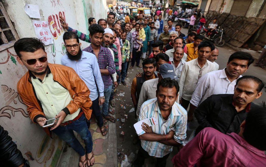 印度總理莫迪家鄉古茶拉底邦(Gujarat)選舉執政黨和國大黨勢均力敵,令市場大...