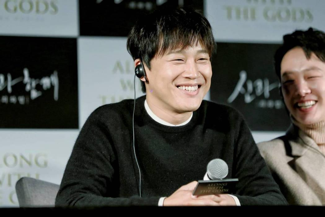 車太鉉在「與神同行」飾演金自鴻,透過7大地獄審判拚轉世。圖/采昌國際多媒體提供