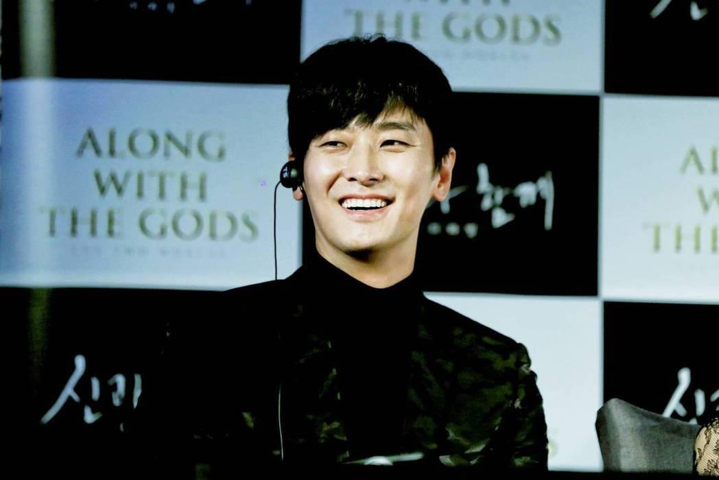 朱智勳在「與神同行」飾演解怨脈,有不少武打動作。圖/采昌國際多媒體提供