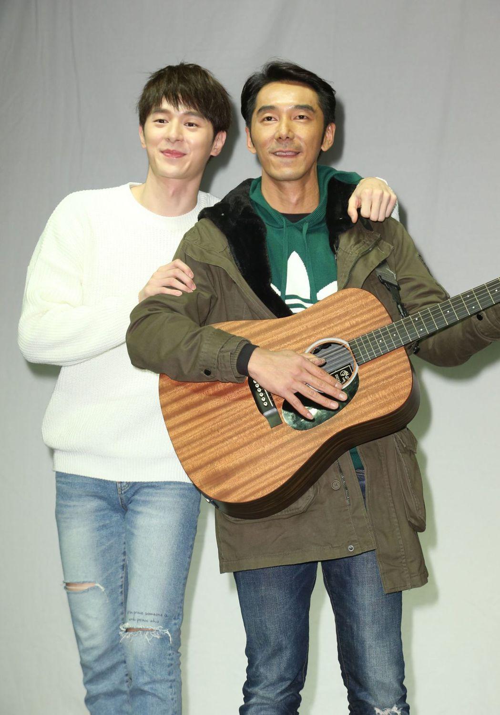 李李仁(右)驚喜現身張軒睿慶生會。記者陳立凱/攝影