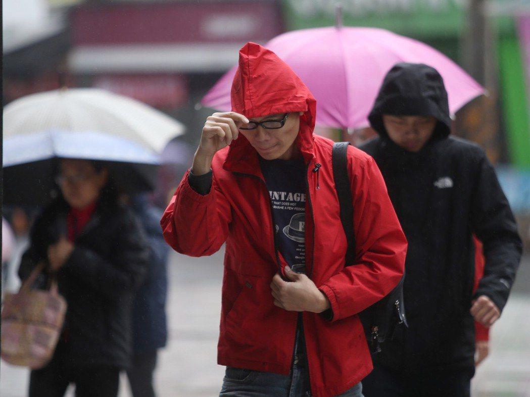 台灣冬天濕冷、陽光不足,是個容易缺乏維生素D的時期。 聯合報系資料照 記者楊萬雲...