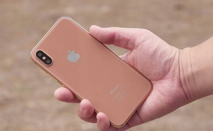 蘋果為強化iPhone X買氣傳再出招,明年首季可能推出iPhone X的腮紅金...