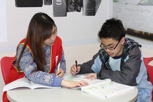K12大師教育學院引進專業心靈輔導師,促進學生身心靈健全發展。 業者/提供