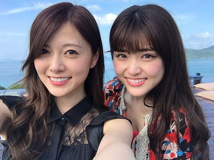 白石麻衣(左)。圖/擷自instagram