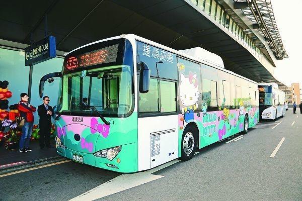 為控制空汙,台中市鼓勵業者採購電動公車,目前有70輛,明年預計增到150輛。