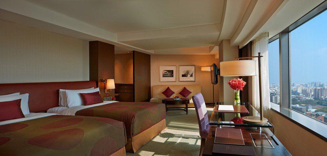 香格里拉台南遠東國際大飯店寬敞客房以及便利的飯店位置,為旅客過年出遊住宿首選. ...