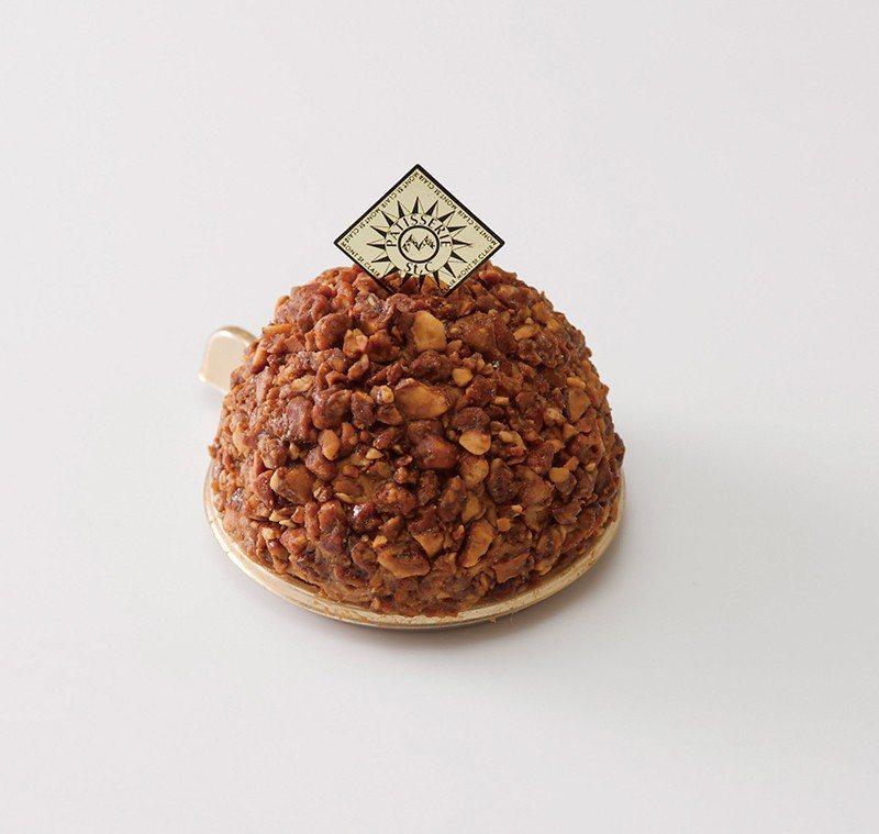 Mont St.clair¥500/以店名命名的人氣蛋糕,咖啡口味的巧克力與外層...