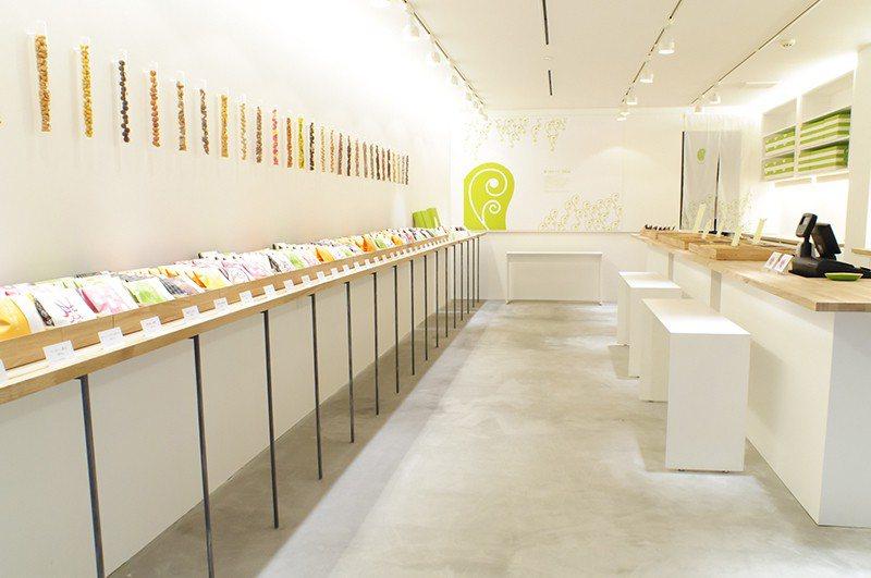 以雪白色調為主的店舖,有如來到童話世界般精巧可愛。