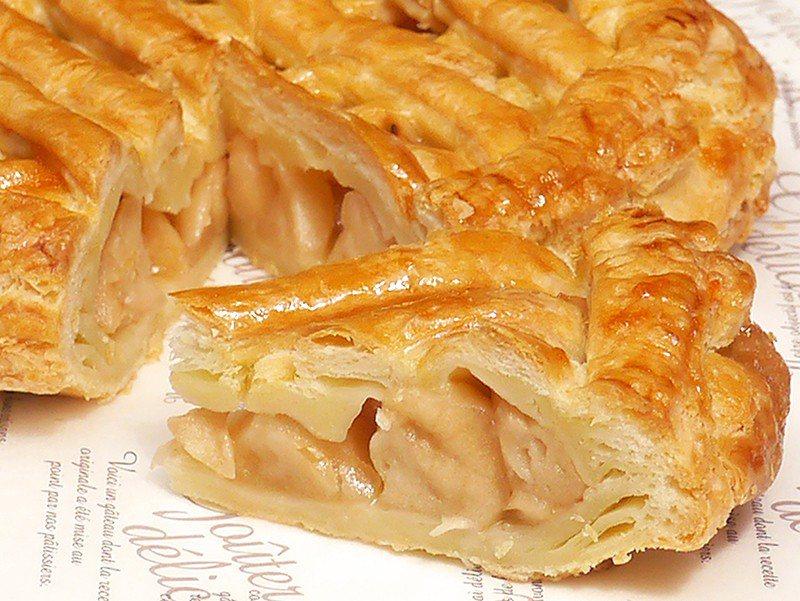 アップルパイ(蘋果派)¥540/手工的派皮引出紅玉蘋果本身的酸甜滋味,不過甜的簡...