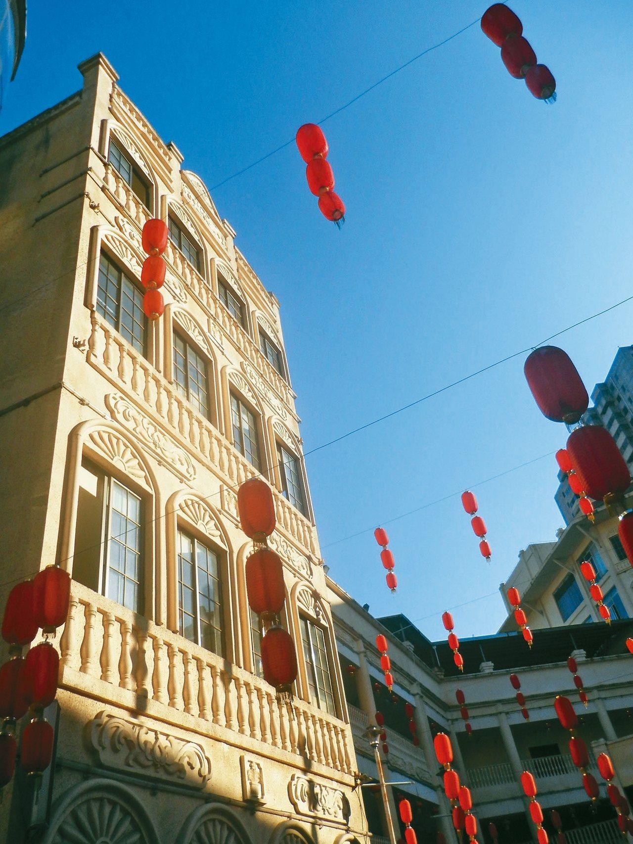 海口市騎樓小吃街。 楊明˙攝影