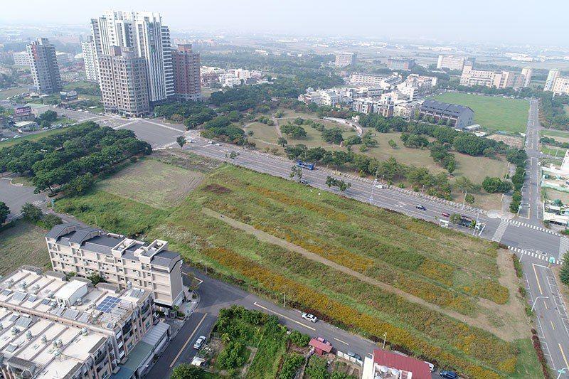 這筆藍田中段土地,吸引16封標單搶標。 圖片提供/高雄市政府地政局