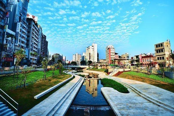 市長林佳龍表示,台中市紫爆天數已從他上任前民國103年時87天降到今年目前為止僅...
