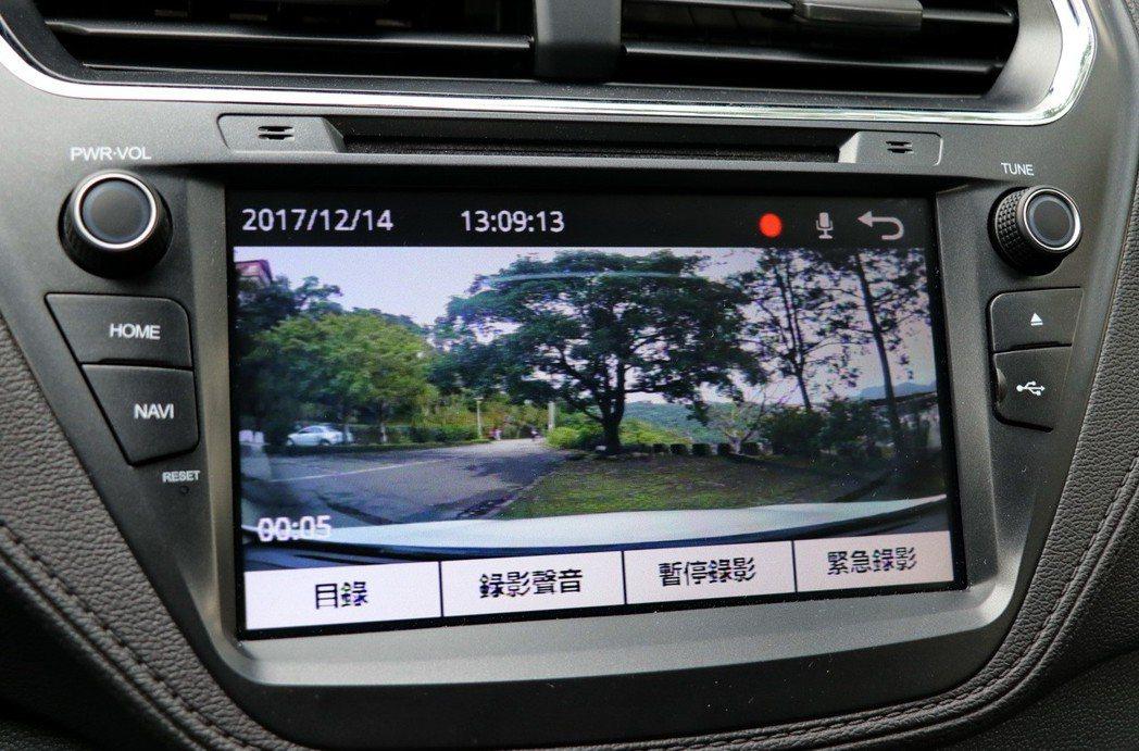 1080p行車紀錄器。 記者陳威任/攝影