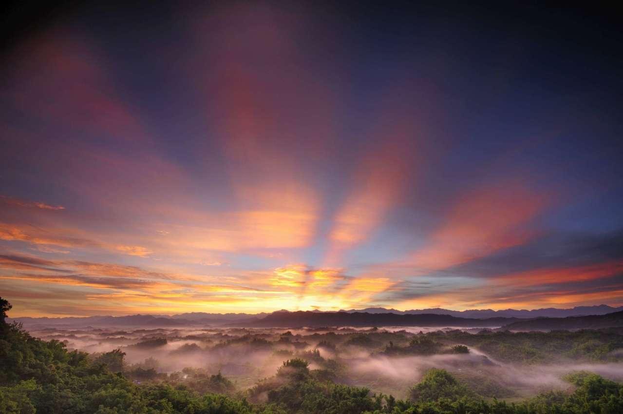 全台迎曙光海拔最低景點就在台南市二寮。圖/觀光局提供