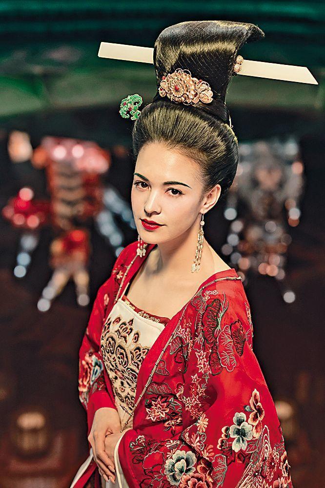 張榕容在「妖貓傳」扮演楊貴妃,雍容華貴。圖/摘自微博