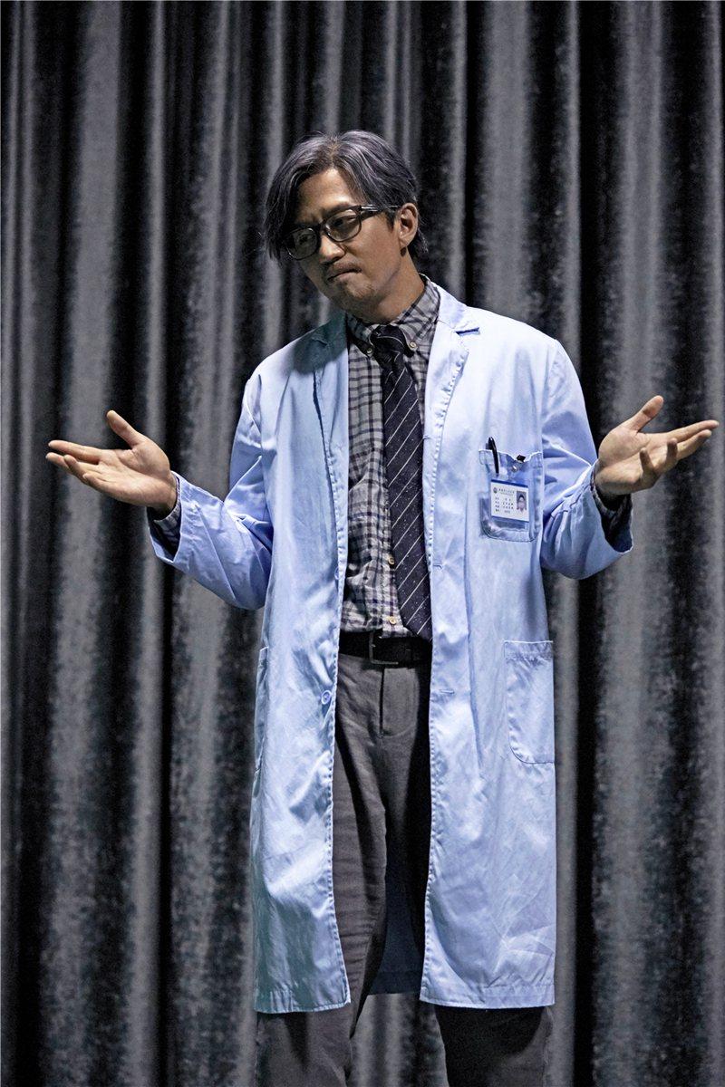 鄧超在「心理罪之城市之光」中演出「一半天才,一半瘋子」的神探方木。圖/華映提供