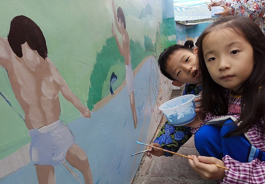 長坑國小師生共同以十三行人主題創作。 十三行博物館/提供