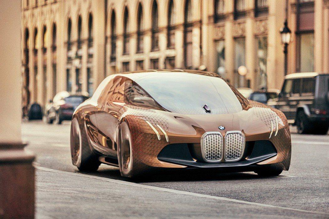 BMW iNext。 摘自BMW