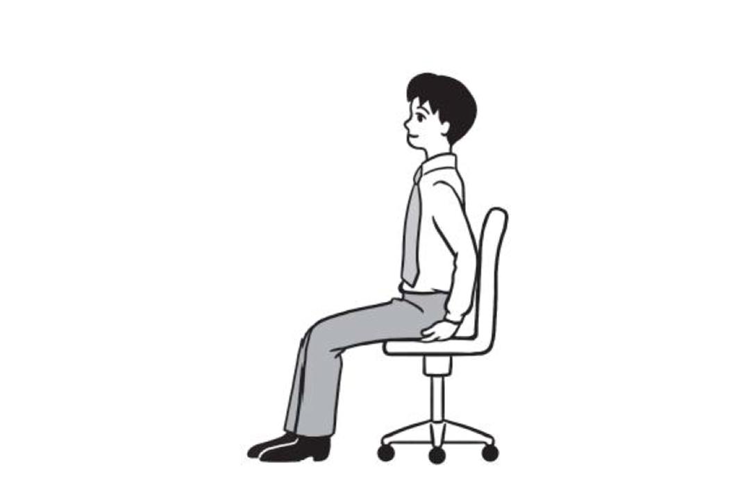 ▲ 當身體打直坐下,只坐椅面的前二分之一,用雙手碰觸臀部左右兩邊,會摸到各有一塊...