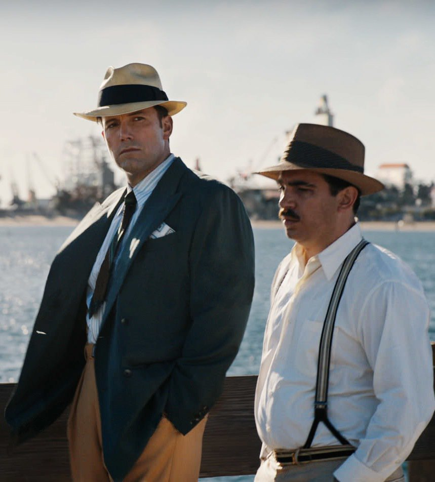 班艾佛列克(左)自導自演的「夜行人生」讓片商賠錢。圖/摘自imdb