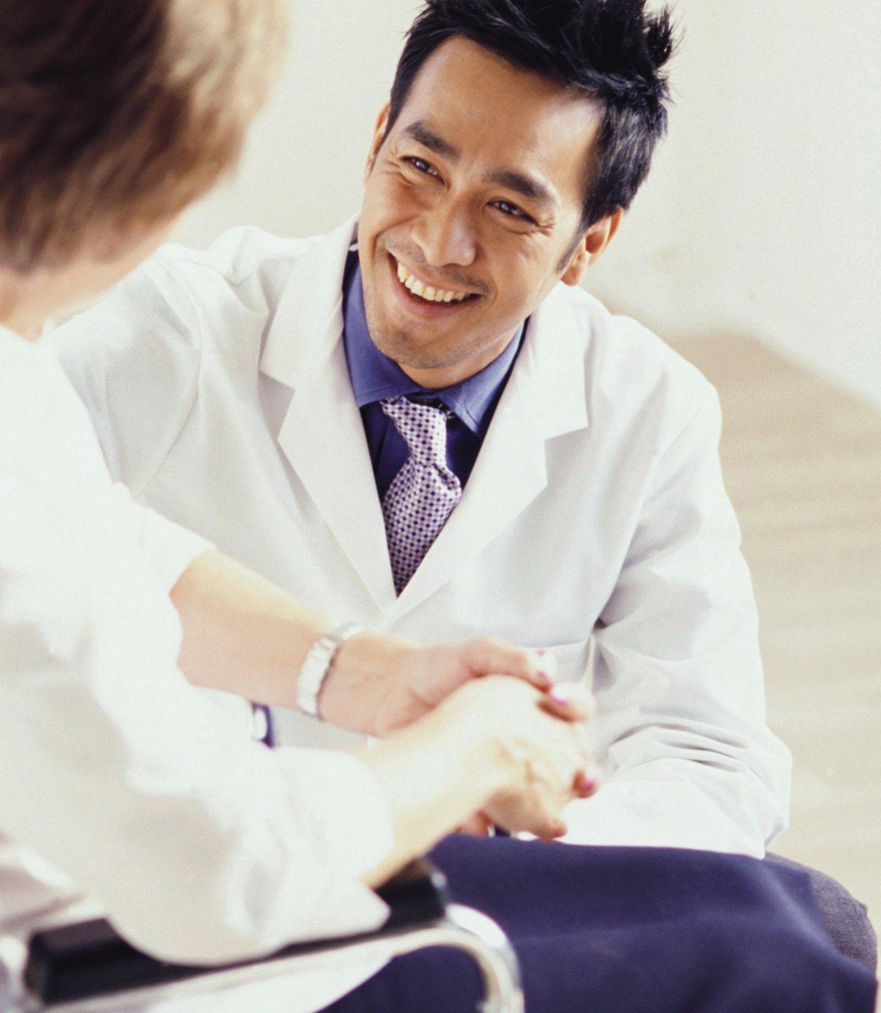 台灣人壽與全國七家社區醫院合作提供保險金扣抵醫療費用服務,方便民眾就近求診。台灣...