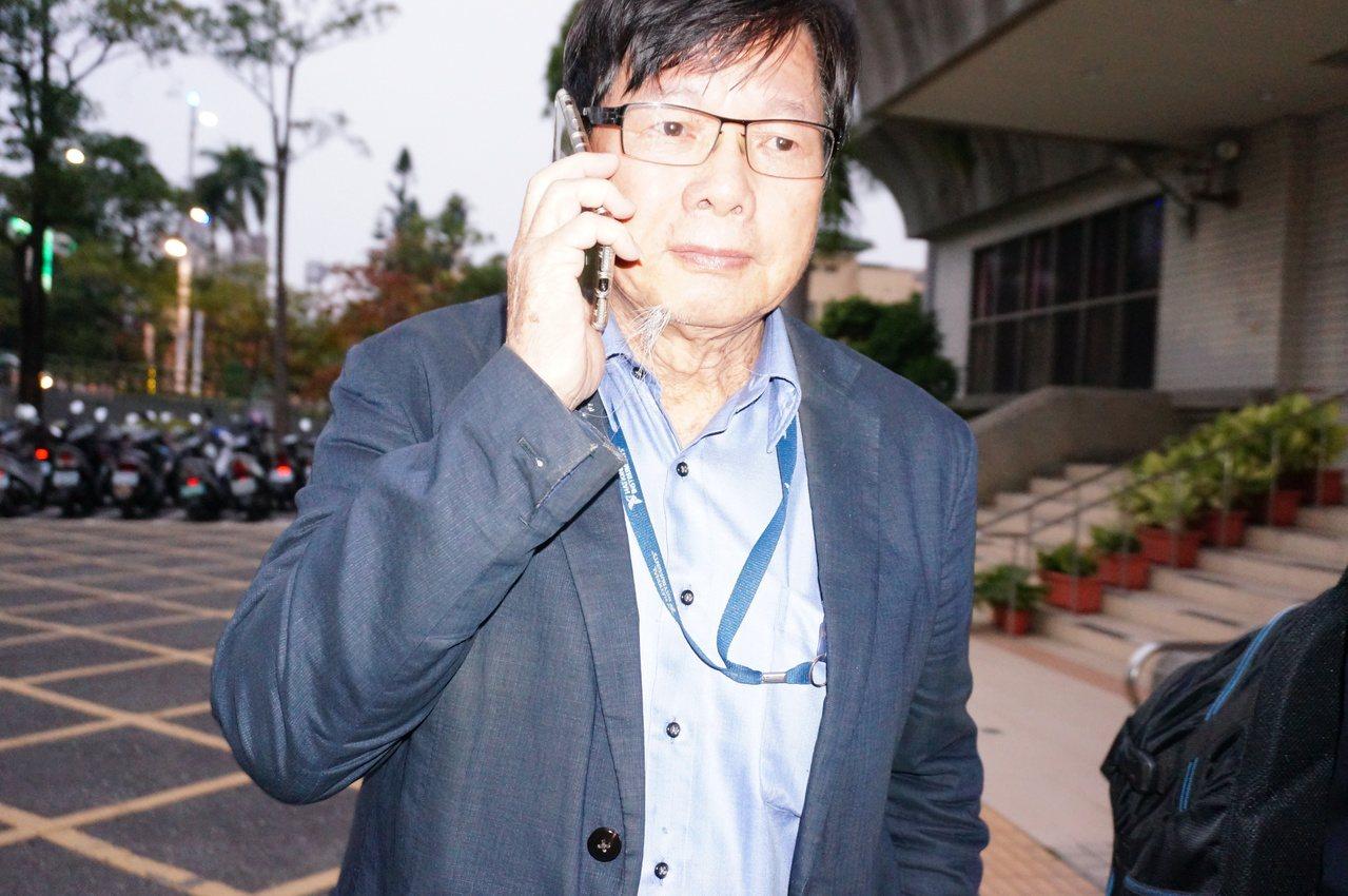 慶富董座陳慶男今出庭,結束後不發一語。記者林伯驊/攝影