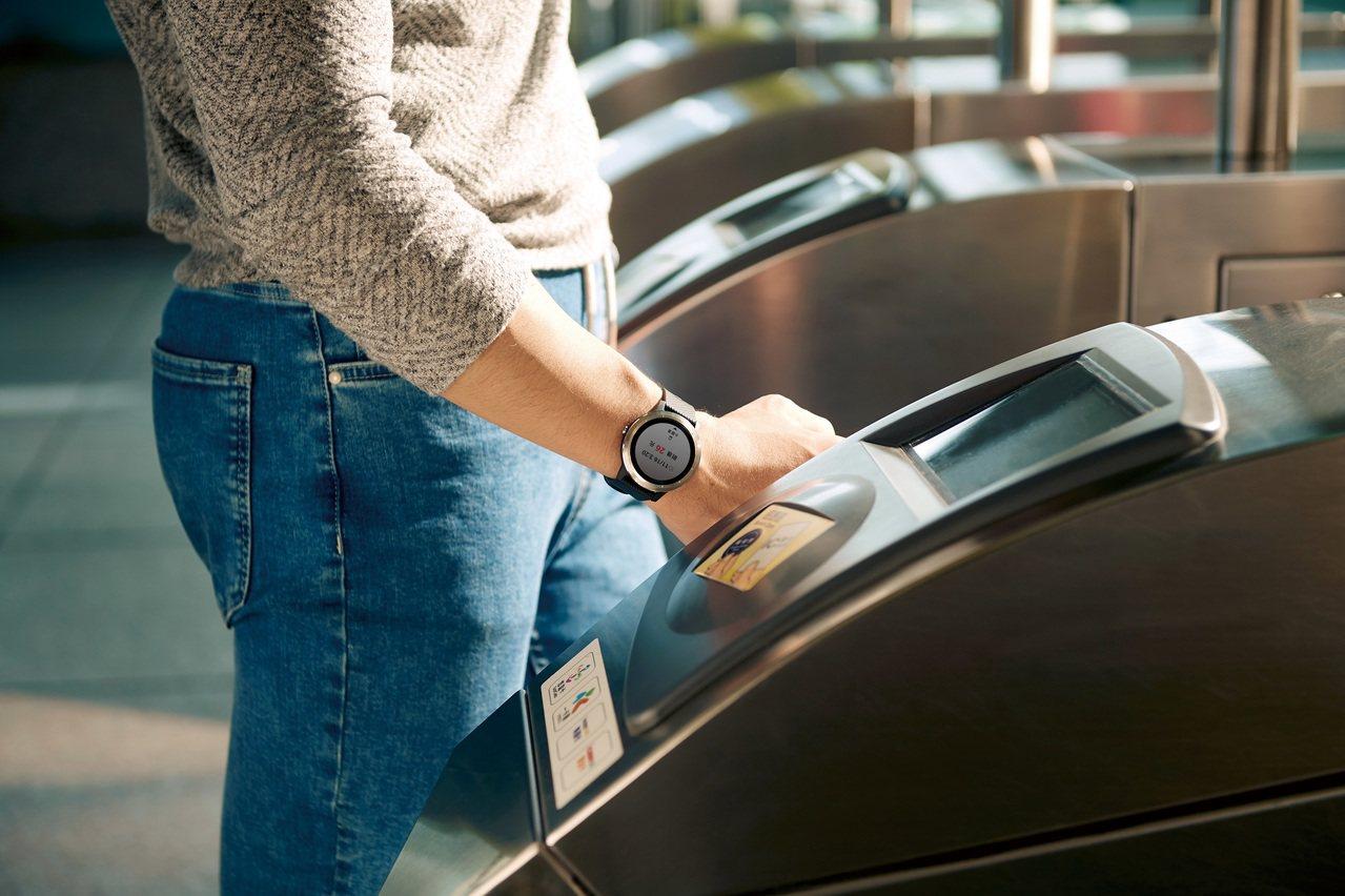 Garmin vivoactive 3整合一卡通支付,未來更將加入信用卡支付功能...