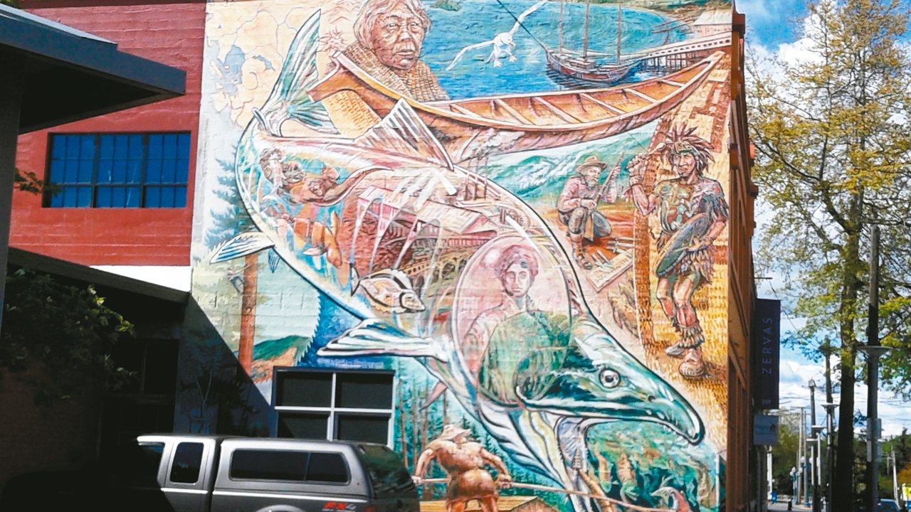 白嶺涵(Bellingham)老城區,沒走上幾步就能看到一幅壁畫。 裴在美/圖片...