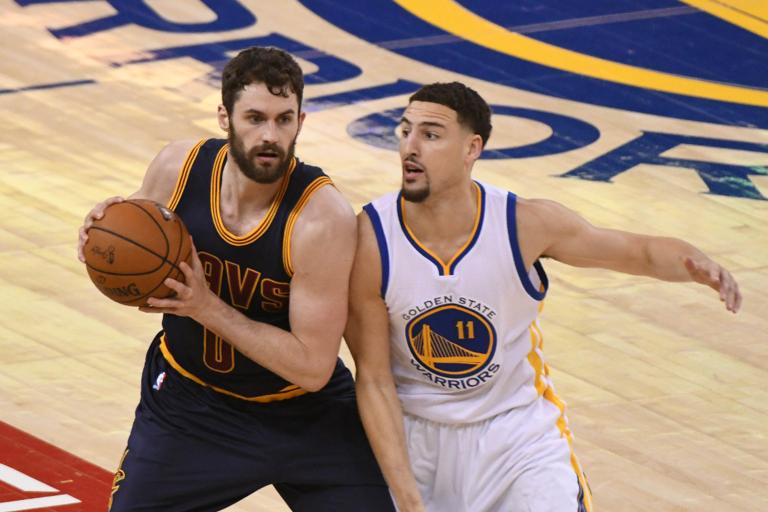 湯普森(左)期待能與小時候的隊友勒夫一起打NBA全明星賽。 路透