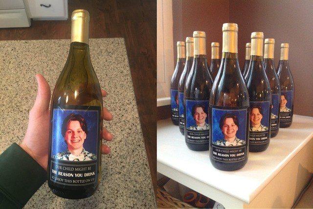 DJ Sommers在推特上面分享,爸媽將弟弟的照片印在酒瓶上,送給弟弟的10位...