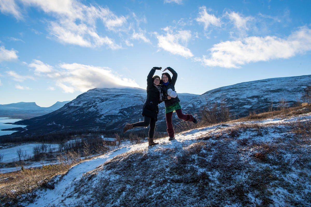 健行團在9-10月份可以看到極地非常美的秋景。