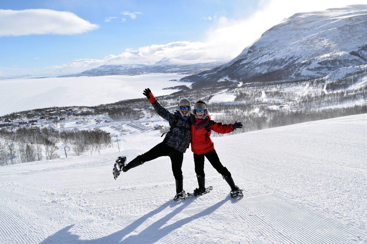 雪地健行攝影團,在領隊帶領下走過Abisko國家公園。