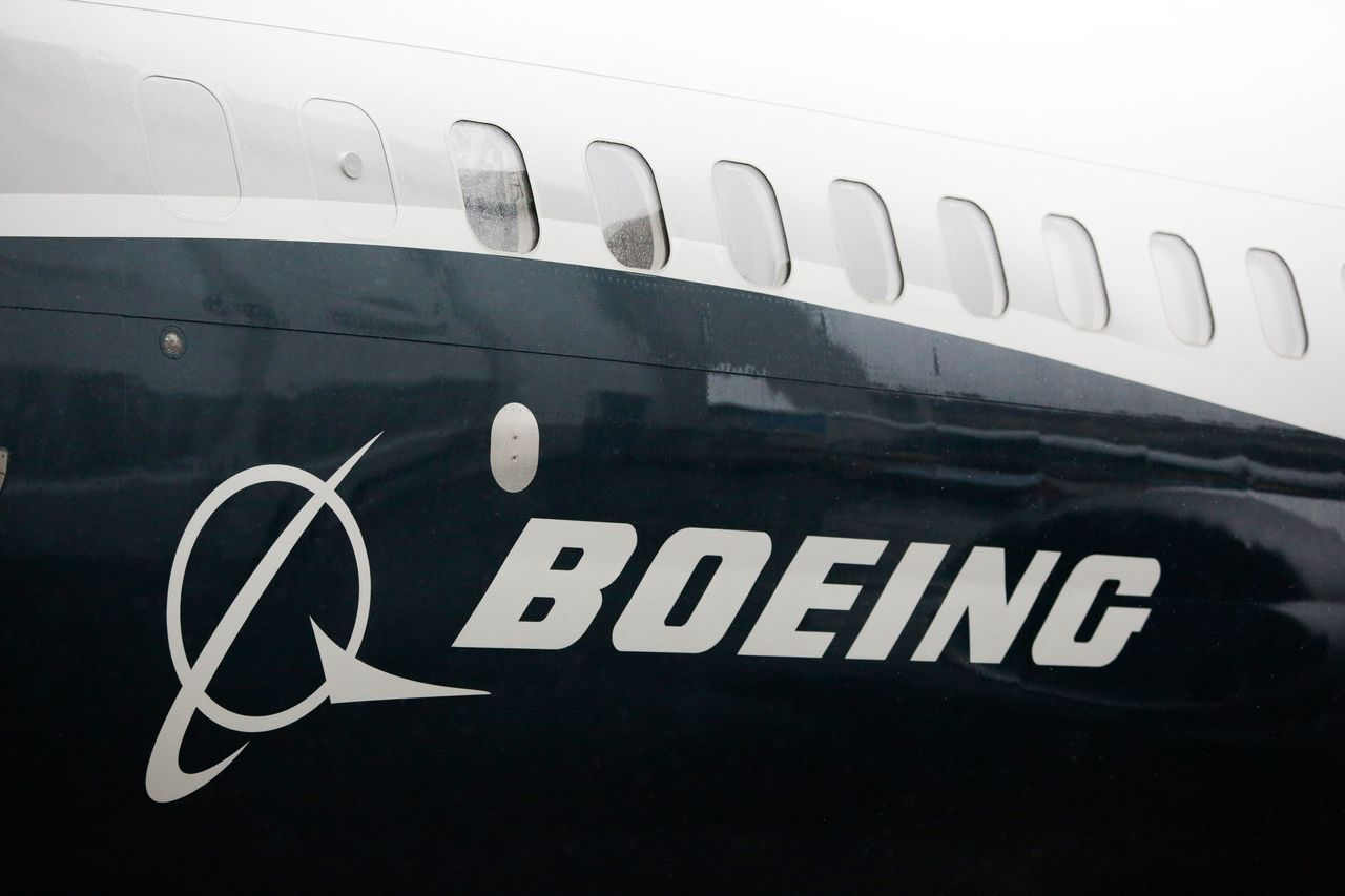 波音公司正與巴西航空工業公司(Embraer)討論併購案;若達成協議,波音將可擴...