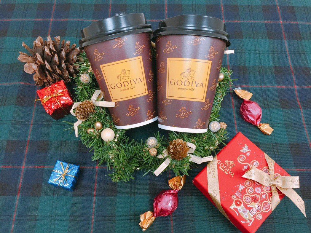 CITY CAFE現做風味飲GODIVA經典熱巧克力。圖/7-ELEVEN提供