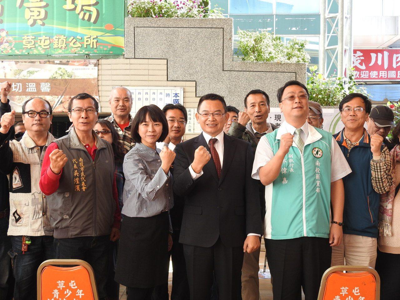 民進黨議員林永鴻今聲明,若未獲黨內提名,也不回頭選議員,展現參選草屯鎮長決心。記...