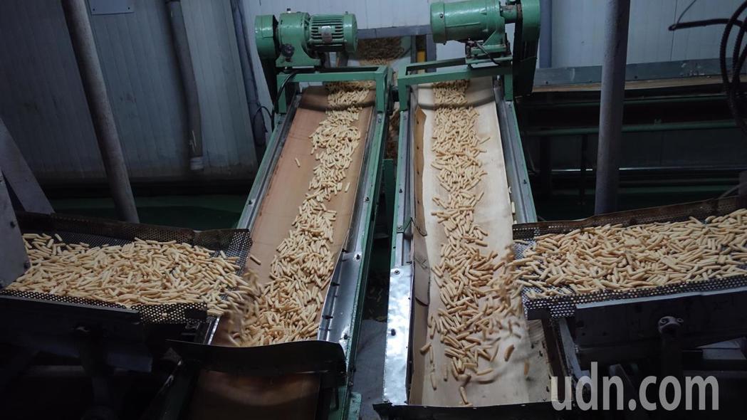 裕榮食品廠區內的膨化區。記者劉星君/攝影