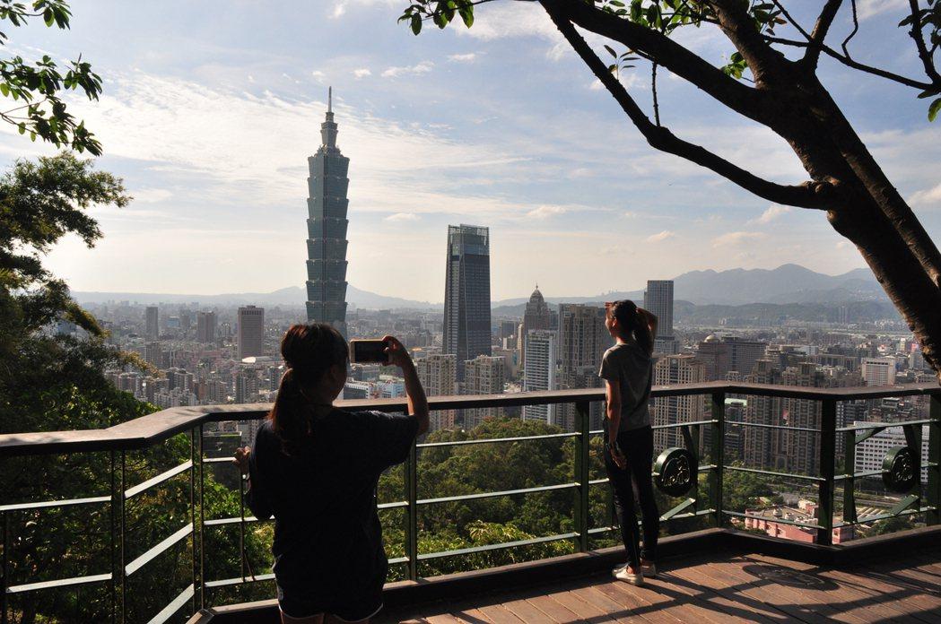 從靈雲宮步行約15分鐘可至攝影平台。圖/摘自臺北市政府工務局大地工程處官網