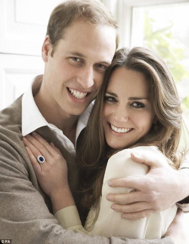 威廉王子與凱特的訂婚照,互動頗親密。圖/路透資料照